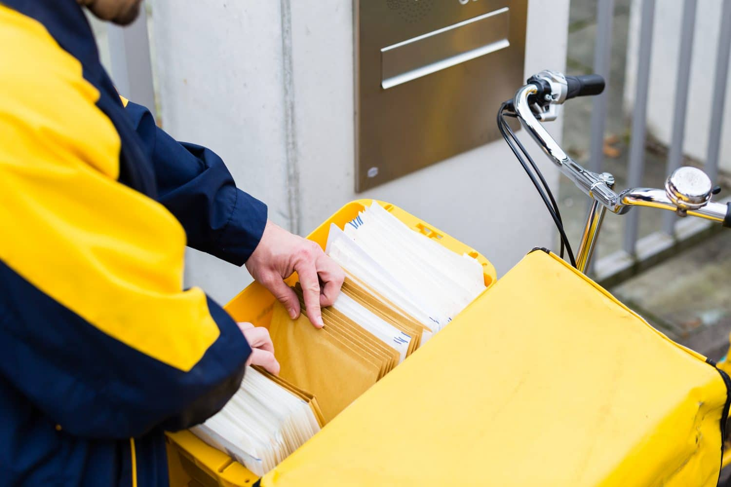 Postal Prudence: The Benefits Of Commingling For Direct Mail Services